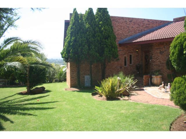 4 Bedroom House For Sale in Lydenburg - Home Sell - MR088589