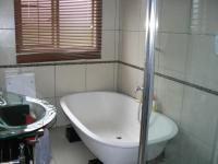 Main Bathroom of property in Stonehenge