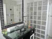 Bathroom 1 - 3 square meters of property in Florauna