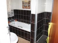 Bathroom 2 of property in Bloemfontein