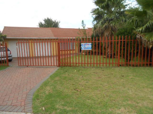 3 Bedroom House for Sale For Sale in Brakpan - Private Sale - MR088642