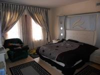 Main Bedroom - 22 square meters
