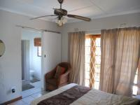 Bed Room 2 - 12 square meters of property in Hibberdene