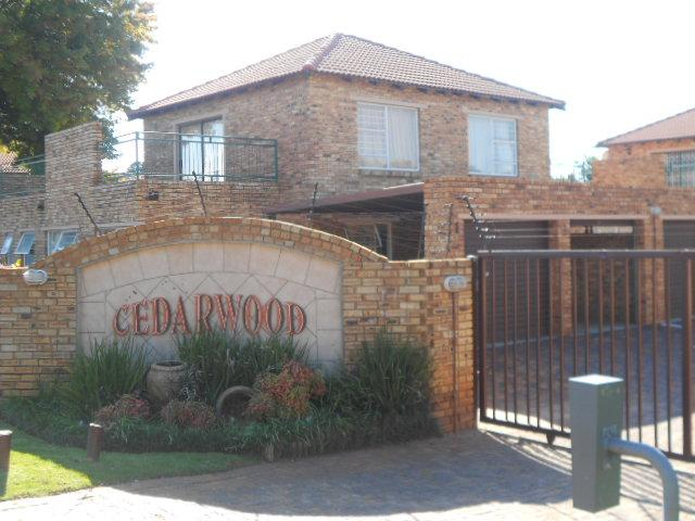 3 Bedroom Sectional Title for Sale For Sale in Weltevreden Park - Home Sell - MR088656