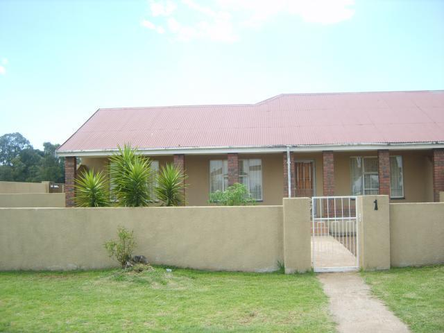 3 Bedroom Sectional Title For Sale in Germiston - Home Sell - MR088747
