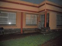 Front View of property in Glenmarais (Glen Marais)