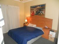 Main Bedroom - 14 square meters of property in Glenmarais (Glen Marais)