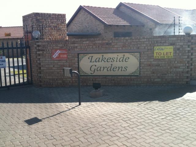 2 Bedroom Sectional Title for Sale For Sale in Riversdale - Home Sell - MR088815