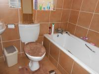 Main Bathroom of property in Karenpark