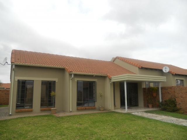 3 Bedroom Simplex for Sale For Sale in Monavoni - Home Sell - MR088837