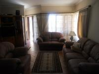 Lounges - 39 square meters of property in Eldoraigne
