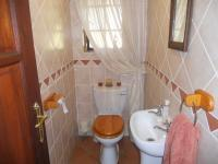 Bathroom 1 - 2 square meters of property in Eldoraigne