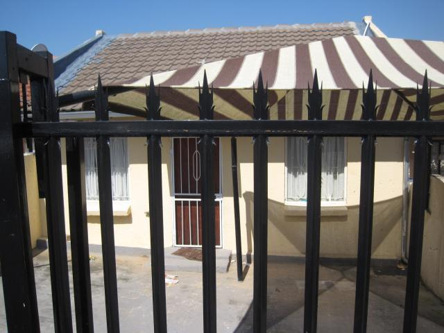 2 Bedroom House for Sale For Sale in Nelspruit Central - Home Sell - MR088887
