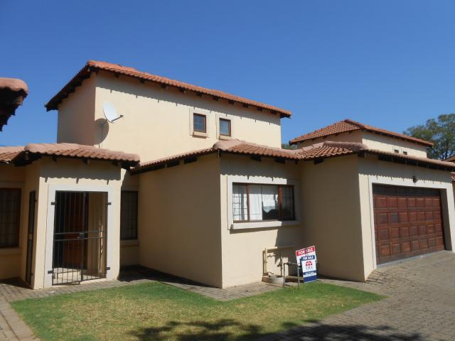 3 Bedroom Duet for Sale For Sale in Pretoria North - Home Sell - MR088895