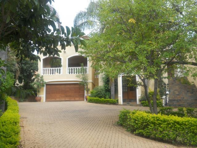 Standard Bank Repossessed 6 Bedroom House for Sale For Sale in Waterkloof Ridge - MR088907