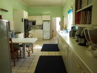 Kitchen - 32 square meters of property in Roodekrans