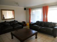 Lounges - 21 square meters of property in Parklands