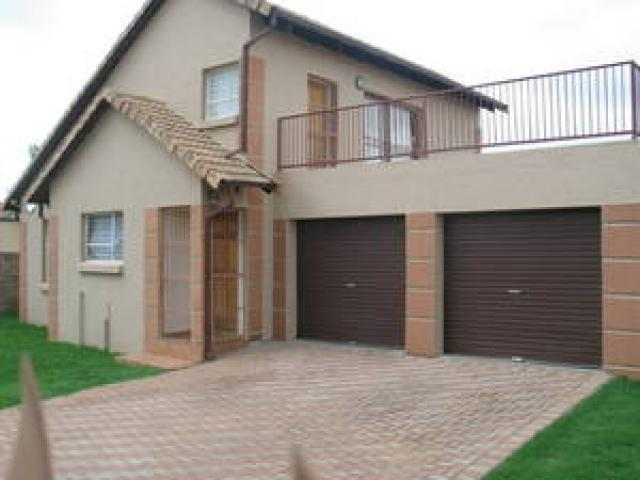5 Bedroom House for Sale For Sale in Kempton Park - Private Sale - MR088944