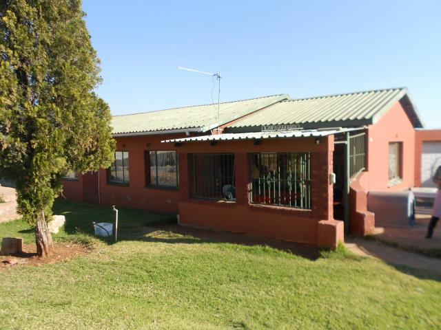 3 Bedroom House for Sale For Sale in Claremont - JHB - Home Sell - MR088998