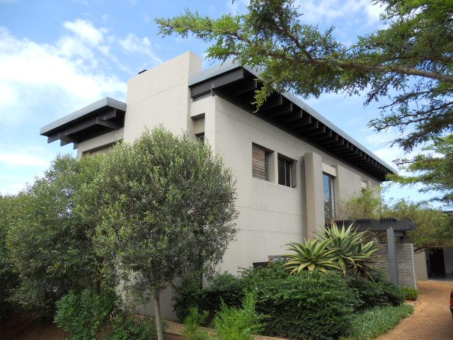 5 Bedroom House For Sale in Umhlanga Rocks - Private Sale - MR089051