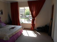 Main Bedroom - 17 square meters of property in Willowbrook