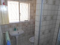 Main Bathroom - 3 square meters of property in Turffontein