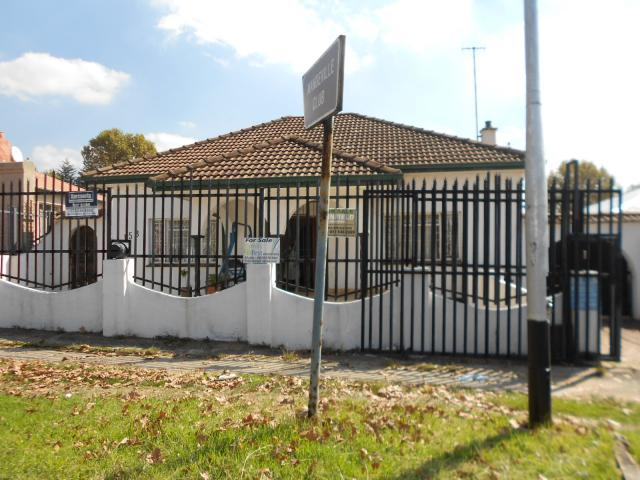 3 Bedroom House For Sale in Bezuidenhout Valley - Private Sale - MR089181