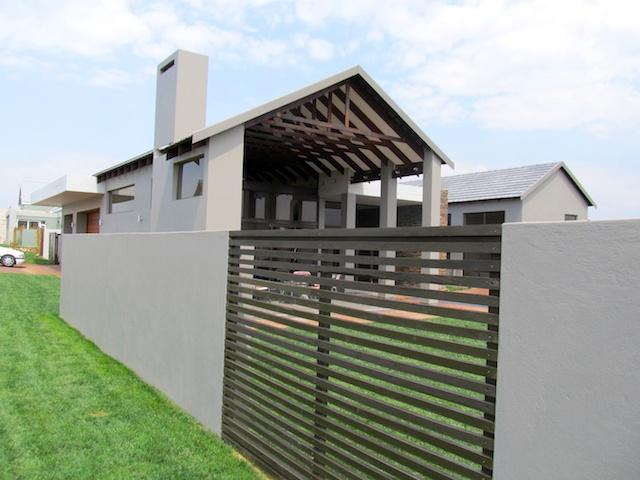 4 Bedroom House to Rent To Rent in Kempton Park - Private Rental - MR089210