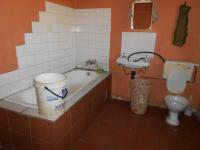 Main Bathroom - 14 square meters of property in De Deur Estates