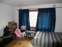 Bed Room 1 - 14 square meters of property in Caneside