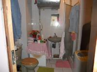 Main Bathroom - 3 square meters of property in Durban Central