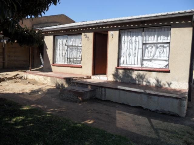 Standard Bank EasySell 2 Bedroom House for Sale For Sale in Tembisa - MR089359
