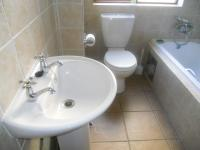 Main Bathroom - 5 square meters of property in Montana Tuine