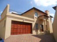 4 Bedroom 2 Bathroom in Rua Vista