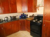 Kitchen - 31 square meters of property in Rooihuiskraal