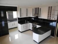 Kitchen - 20 square meters of property in Monavoni
