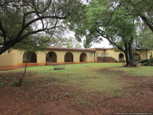 Smallholding For Sale in Kameeldrift - Private Sale - MR089483