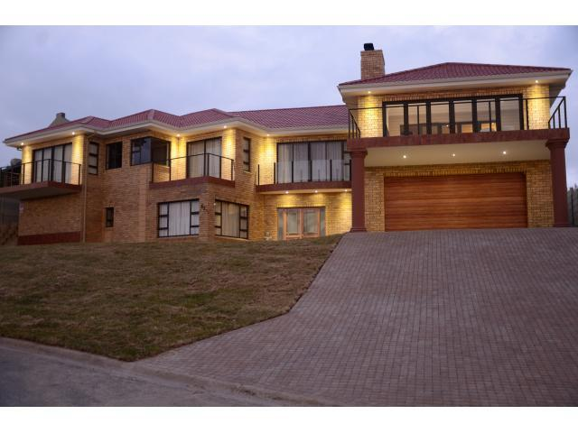 4 Bedroom House for Sale For Sale in Klein-Brakrivier - Private Sale - MR089492