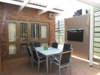 Patio of property in Cresta