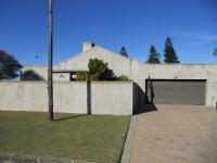 3 Bedroom 2 Bathroom in Mossel Bay