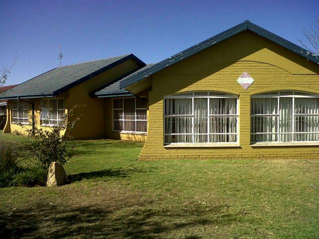 Standard Bank EasySell 3 Bedroom House for Sale For Sale in Kroonstad - MR089677