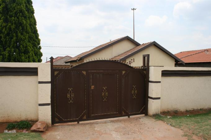Standard Bank EasySell 3 Bedroom House for Sale For Sale in Middelburg - MP - MR089715