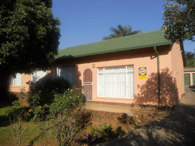 3 Bedroom House for Sale For Sale in Rooihuiskraal North - Home Sell - MR089765