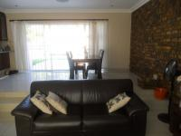 Lounges - 20 square meters of property in Rooihuiskraal North