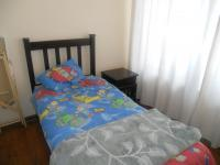 Bed Room 1 - 10 square meters of property in Rooihuiskraal North