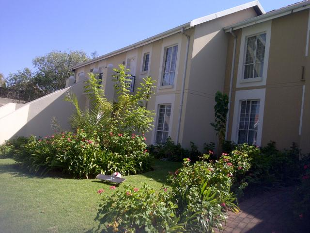 2 Bedroom Apartment for Sale For Sale in Douglasdale - Private Sale - MR089814