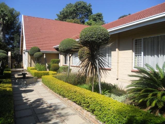 5 Bedroom House for Sale For Sale in Waterkloof Glen - Private Sale - MR089900