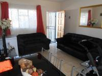 Lounges - 15 square meters of property in Brakpan