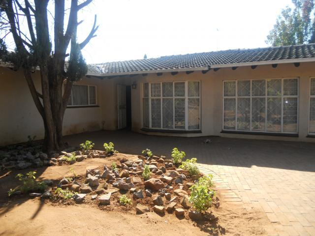 3 Bedroom House For Sale in Doringkloof - Home Sell - MR089908
