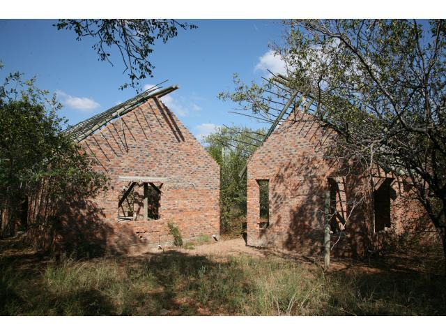 4 Bedroom House for Sale For Sale in Hoedspruit - Home Sell - MR089937